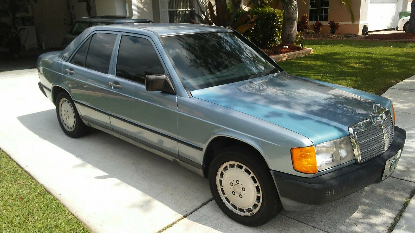 Mercedes-Benz 190-Series 1985 $3200.00 incacar.com