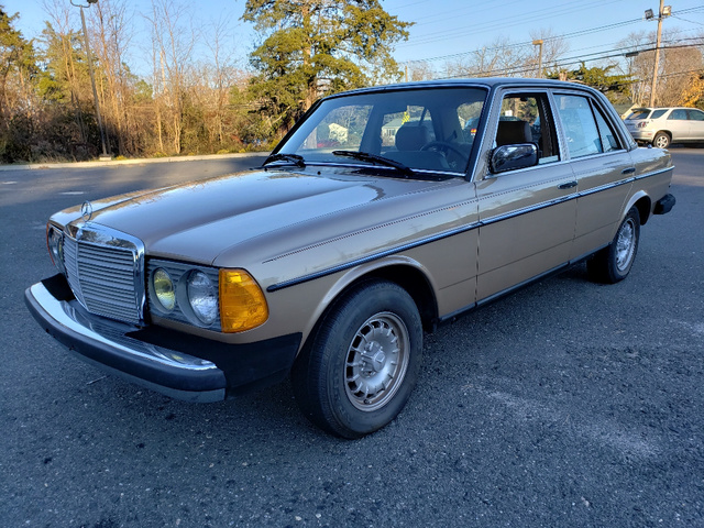 Mercedes-Benz 300 1983 $8900.00 incacar.com