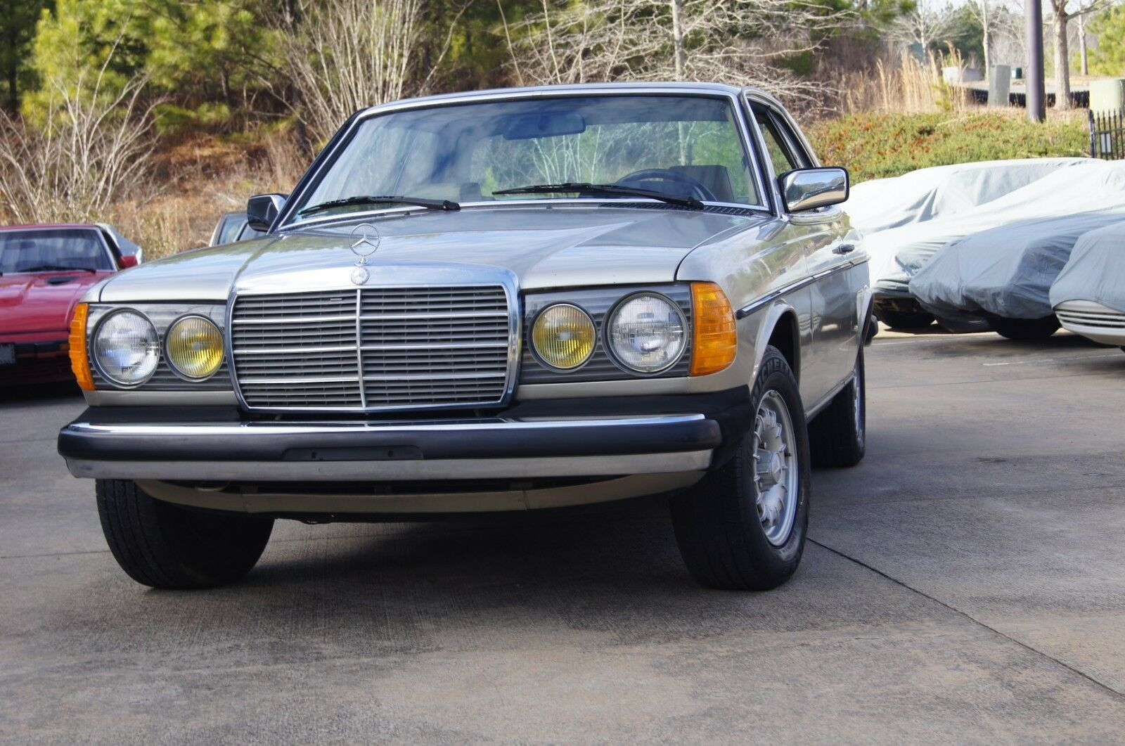 Mercedes-Benz 300 1985 $11700.00 incacar.com