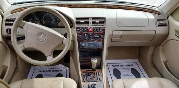 Mercedes-Benz C-Class 2000 $3990.00 incacar.com