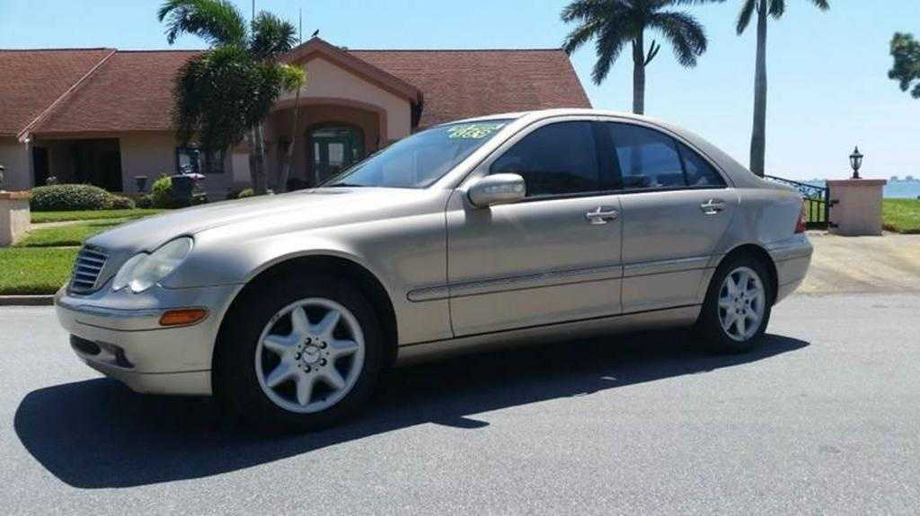 Mercedes-Benz C-Class 2003 $4999.00 incacar.com