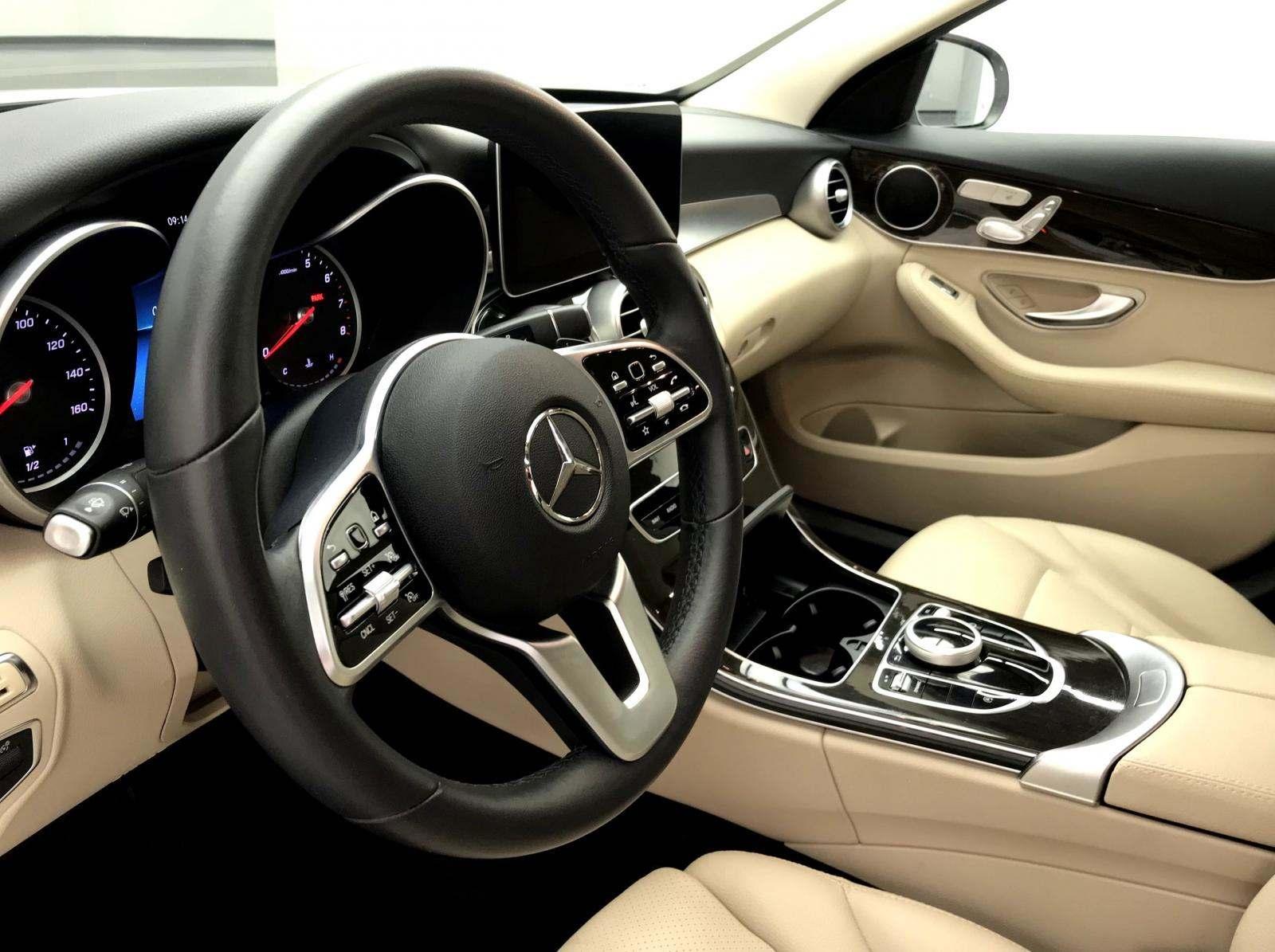 used Mercedes-Benz C-Class 2019 vin: 55SWF8DB5KU286630