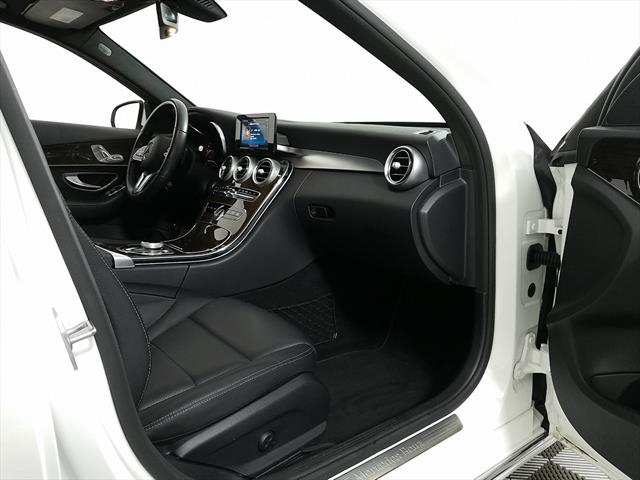 used Mercedes-Benz C-Class 2019 vin: 55SWF8DBXKU293993