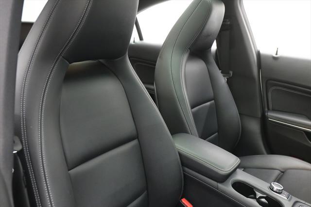 used Mercedes-Benz CLA-Class 2019 vin: WDDSJ4EB8KN738695
