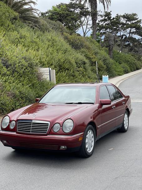 1999 Mercedes-Benz E300