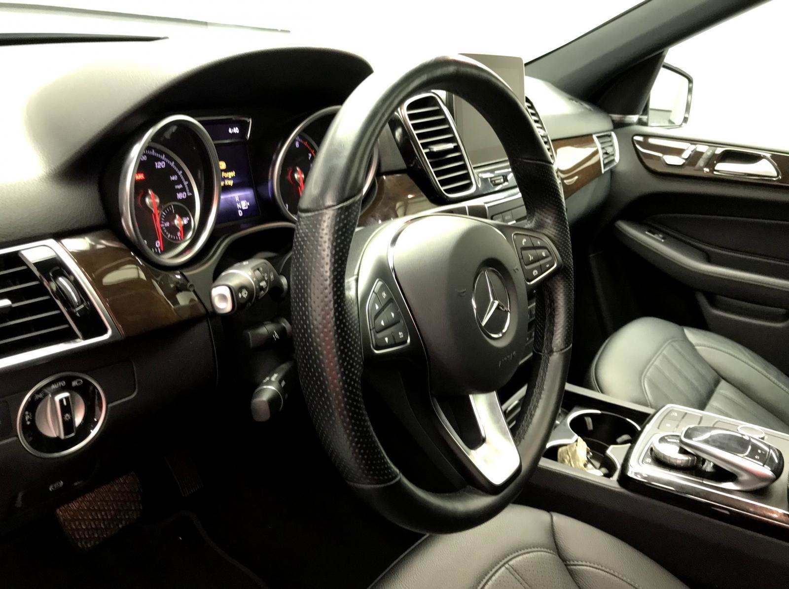 used Mercedes-Benz GLE-Class 2018 vin: 4JGDA5HB9JB131429
