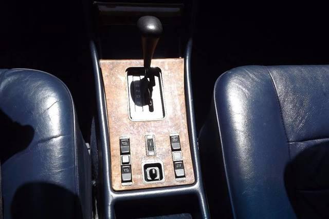 used Mercedes-Benz SL-Class 1982 vin: WDBCA43A3CB003259