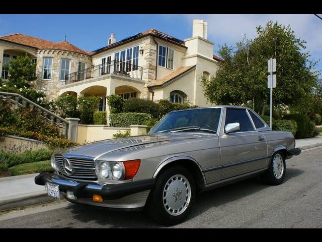 Mercedes-Benz SL-Class 1986 $13500.00 incacar.com
