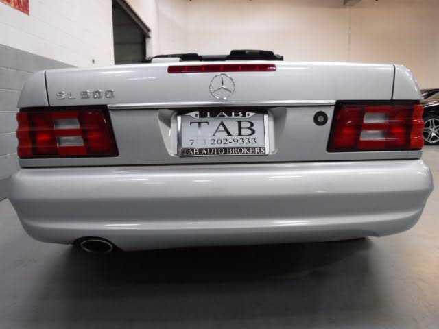 Mercedes-Benz SL-Class 2002 $32989.00 incacar.com