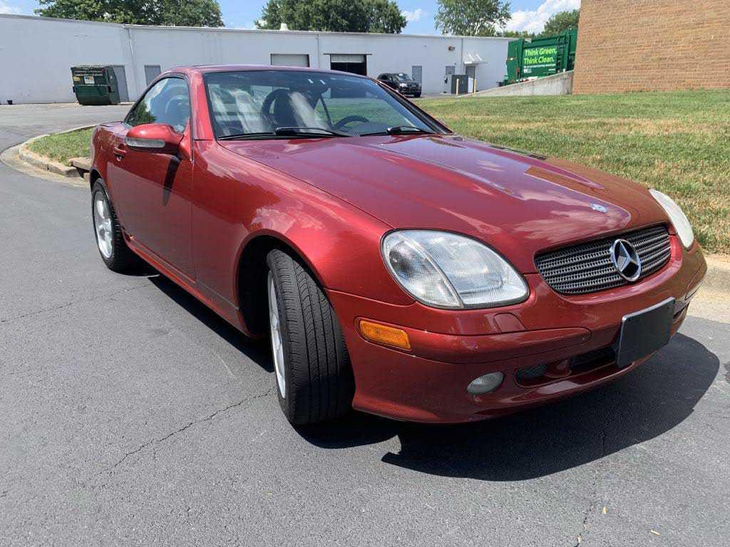 Mercedes-Benz SLK-Class 2001 $7499.00 incacar.com