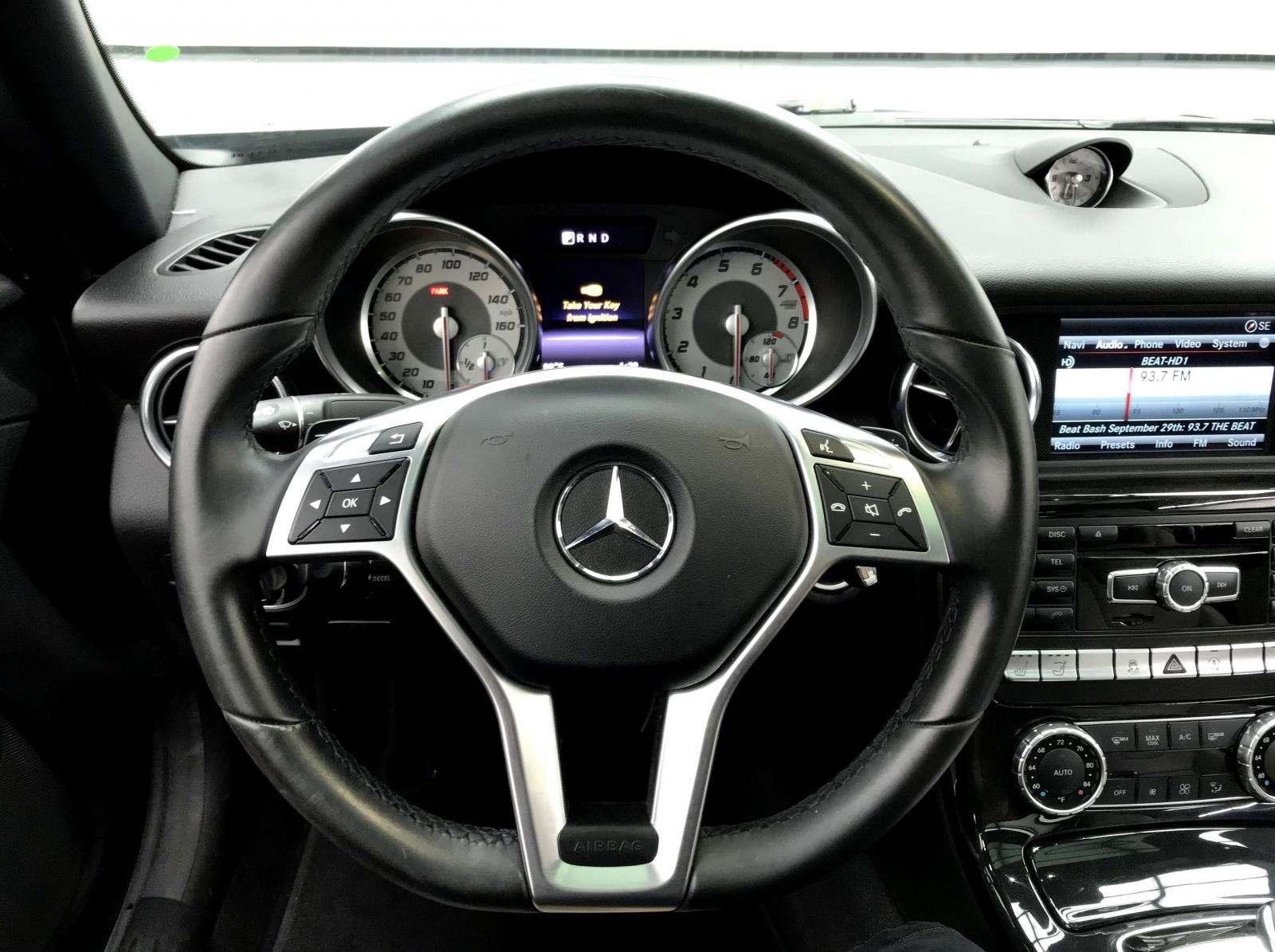 used Mercedes-Benz SLK-Class 2016 vin: WDDPK3JA1GF116189