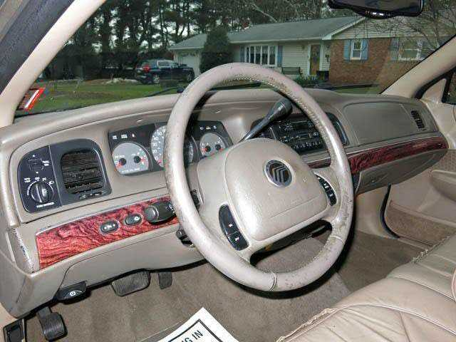 Mercury Grand Marquis 2001 $1800.00 incacar.com
