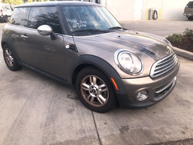 used Mini Cooper 2011 vin: WMWSU3C54BT098664