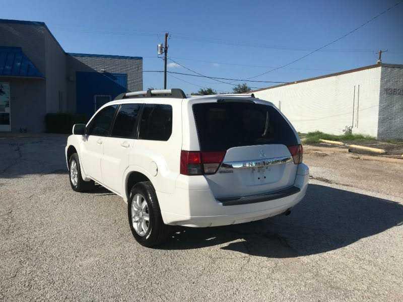 Mitsubishi Endeavor 2011 $3950.00 incacar.com