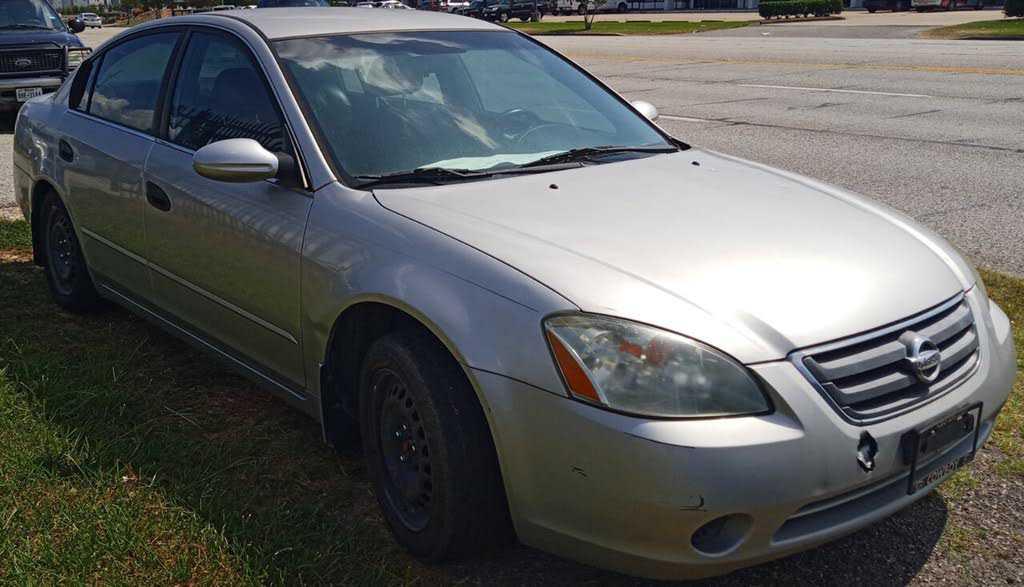 Nissan Altima 2003 $495.00 incacar.com