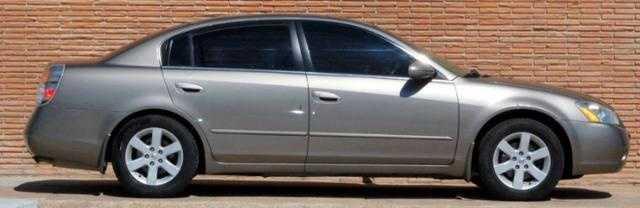 Nissan Altima 2004 $7595.00 incacar.com