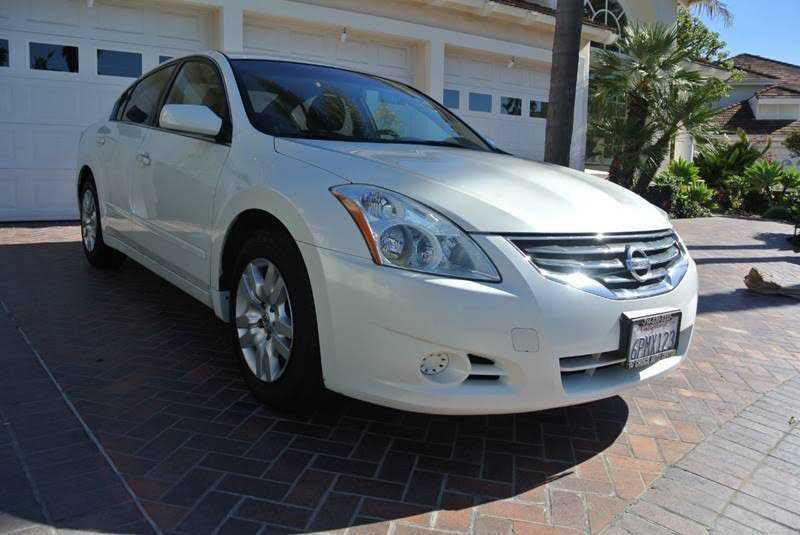 Nissan Altima 2010 $6090.00 incacar.com
