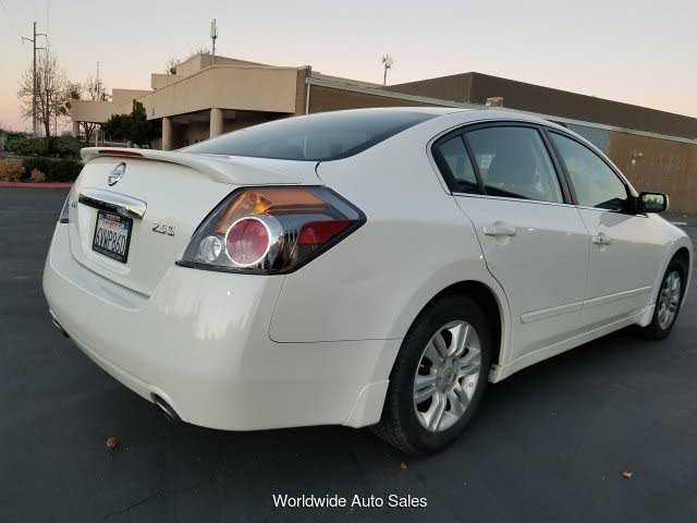 Nissan Altima 2012 $4300.00 incacar.com