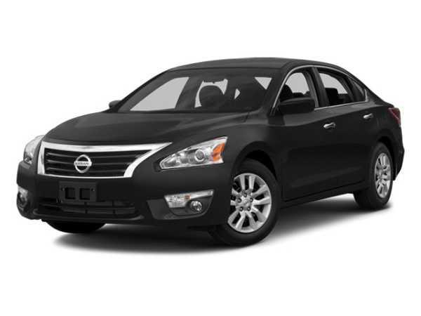 Nissan Altima 2014 $10000.00 incacar.com