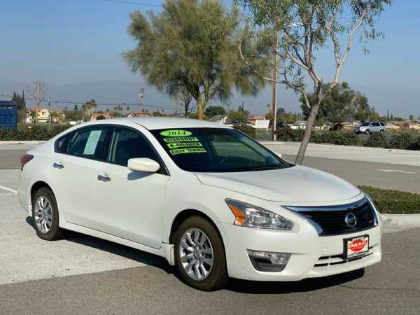 Nissan Altima 2014 $12995.00 incacar.com