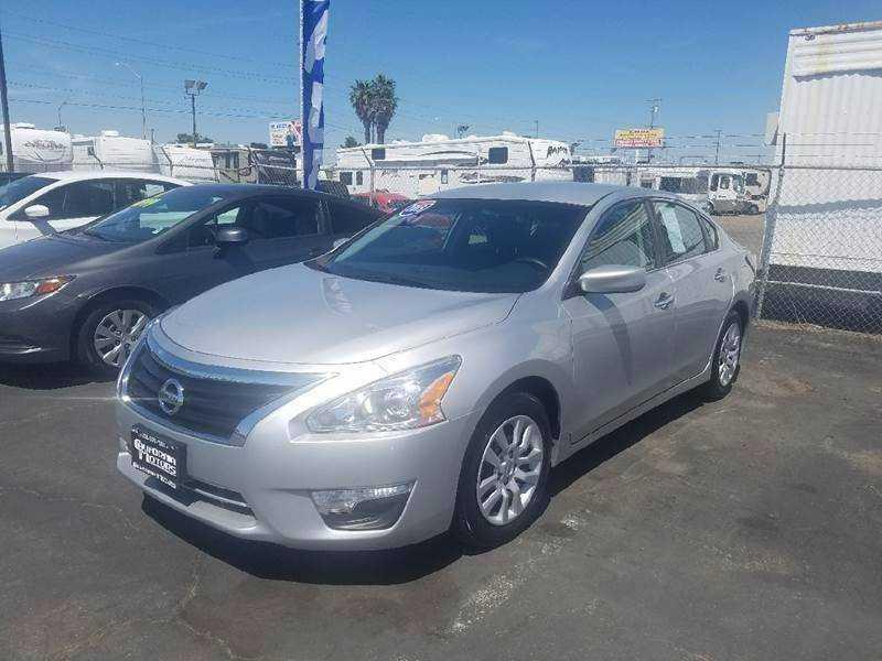 Nissan Altima 2015 $11995.00 incacar.com