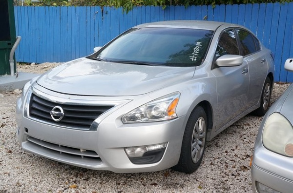 Nissan Altima 2015 $6999.00 incacar.com