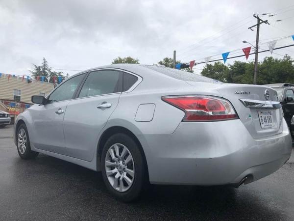 Nissan Altima 2015 $8300.00 incacar.com