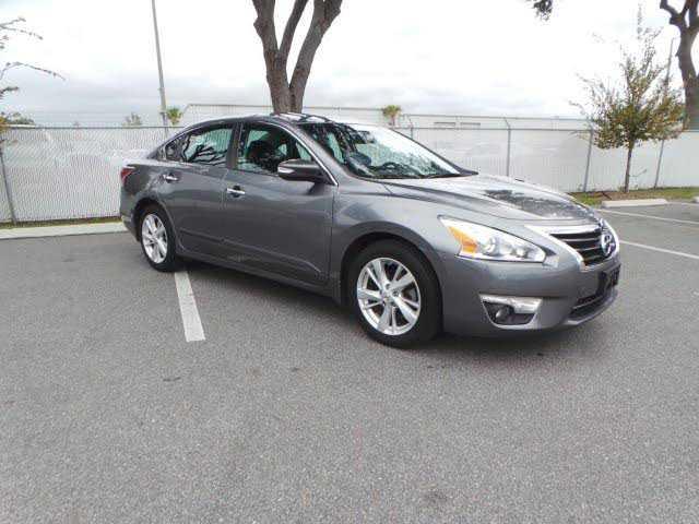 Nissan Altima 2015 $14991.00 incacar.com