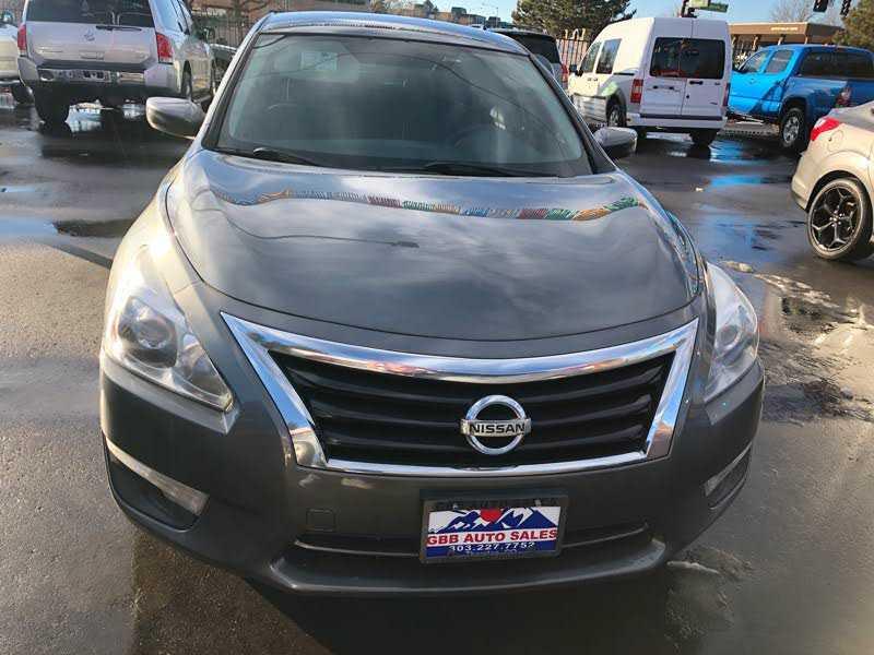 Nissan Altima 2015 $6900.00 incacar.com