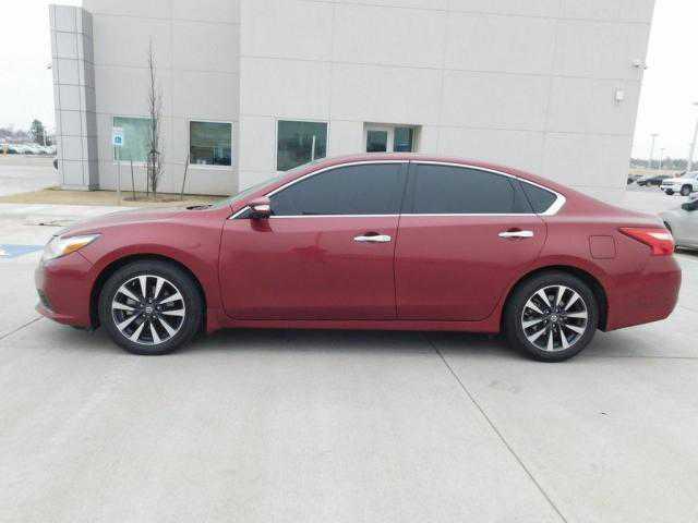 Nissan Altima 2016 $12497.00 incacar.com