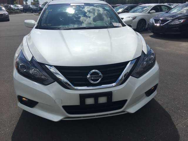 Nissan Altima 2017 $17998.00 incacar.com
