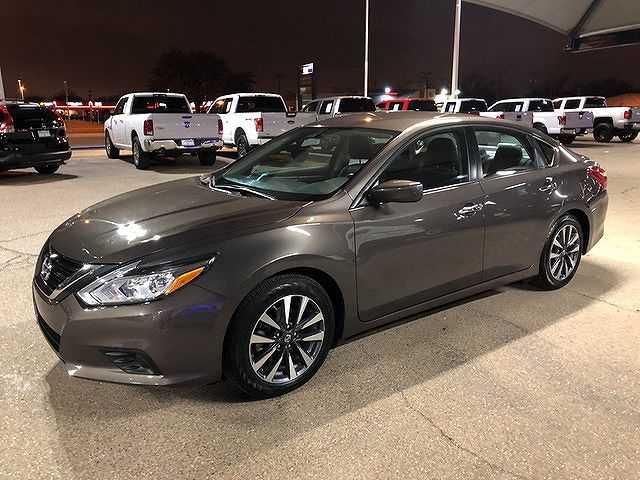 Nissan Altima 2017 $14700.00 incacar.com