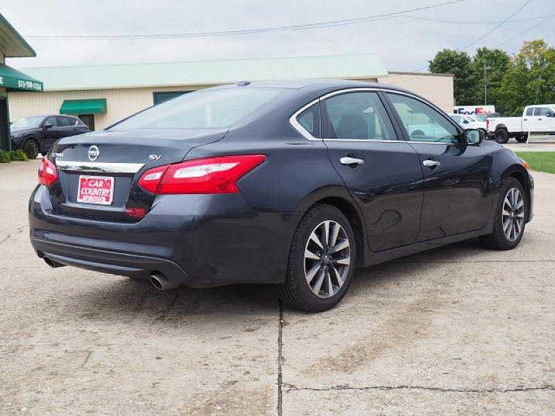 Nissan Altima 2017 $15854.00 incacar.com