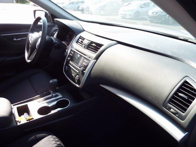 Nissan Altima 2017 $17990.00 incacar.com