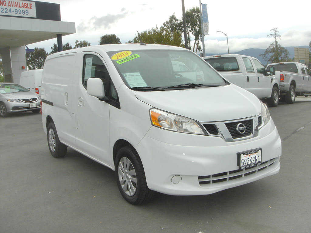 Nissan NV 2013 $9800.00 incacar.com