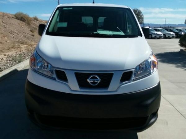 Nissan NV 2018 $15000.00 incacar.com