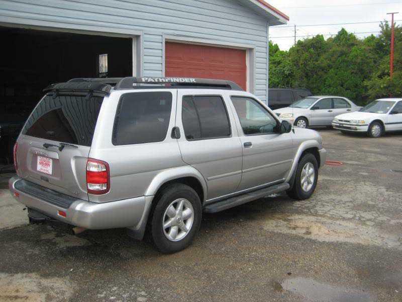 Nissan Pathfinder 2002 $6995.00 incacar.com