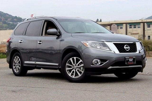 Nissan Pathfinder 2015 $40950.00 incacar.com