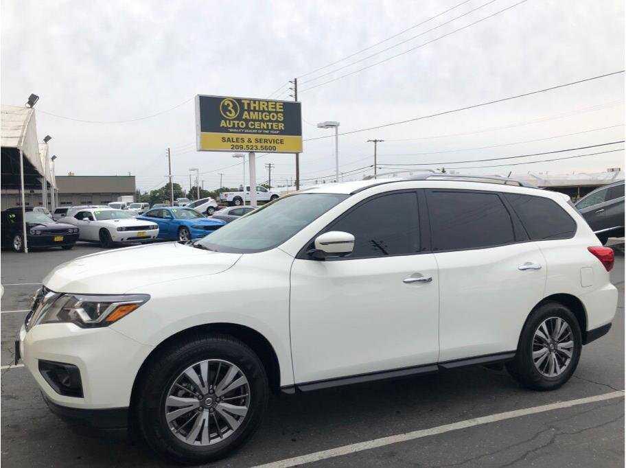 Nissan Pathfinder 2018 $23999.00 incacar.com
