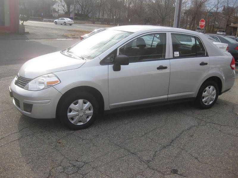 Nissan Versa 2011 $3988.00 incacar.com