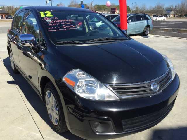 Nissan Versa 2012 $7800.00 incacar.com