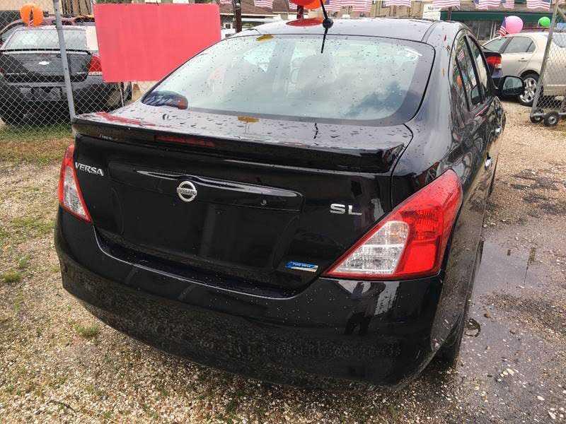 Nissan Versa 2013 $1980.00 incacar.com