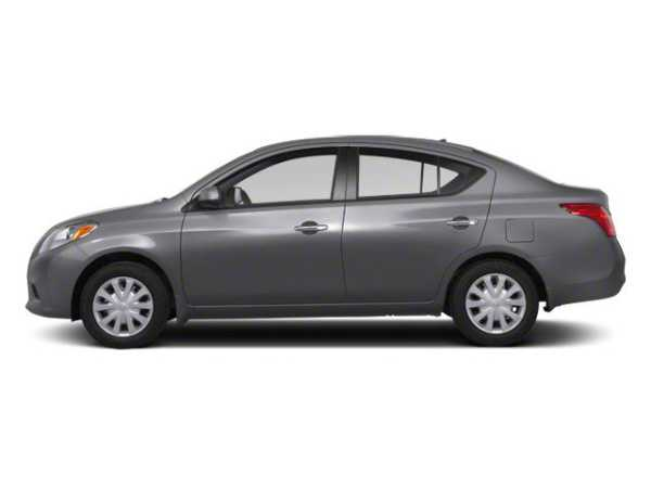 Nissan Versa 2013 $4977.00 incacar.com