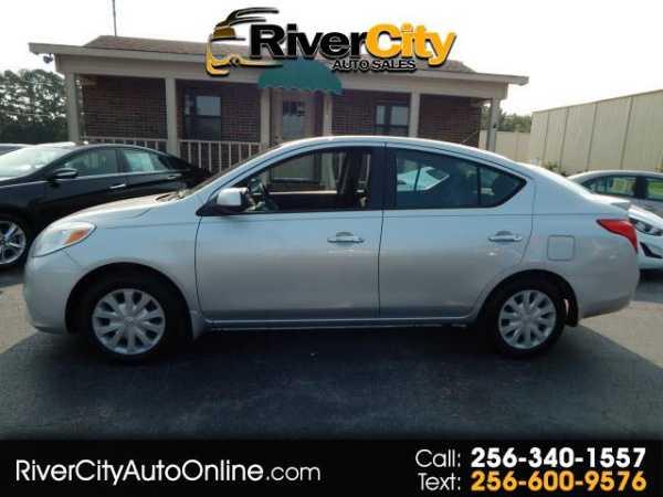 Nissan Versa 2013 $4985.00 incacar.com