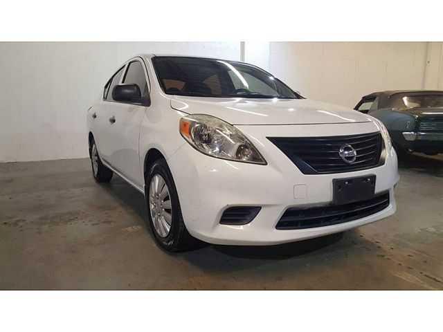 Nissan Versa 2013 $4695.00 incacar.com