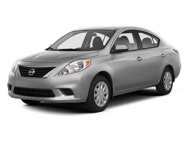 Nissan Versa 2013 $4988.00 incacar.com
