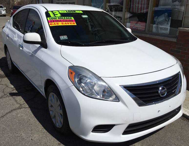 Nissan Versa 2013 $4900.00 incacar.com