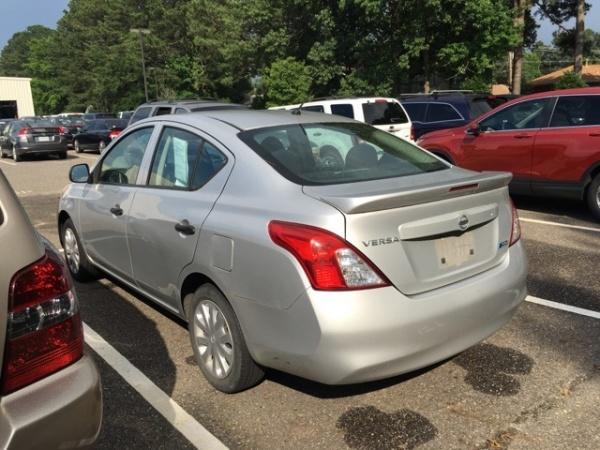 Nissan Versa 2013 $5488.00 incacar.com