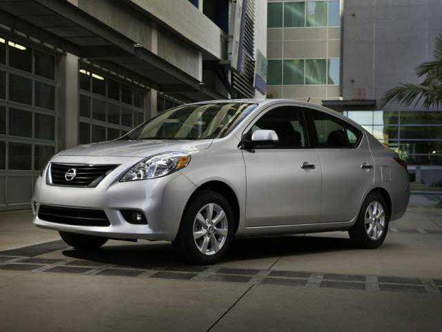 Nissan Versa 2013 $1288.00 incacar.com