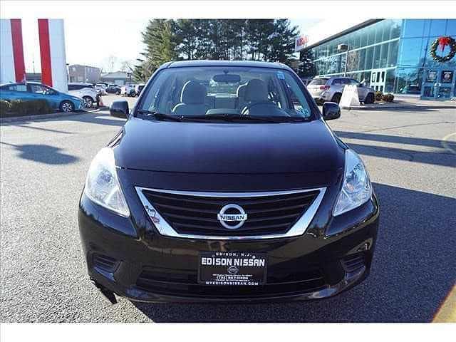 Nissan Versa 2014 $4495.00 incacar.com